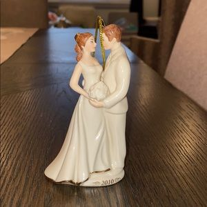 Lenox 2010 bride and groom ornament